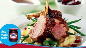 Cranberry, tomato & thyme crusted rack of lamb